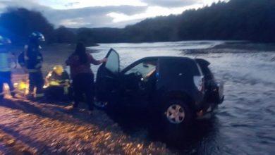Photo of Vehículo cayó a Río Leufucade
