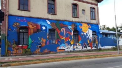 Photo of Valdivia y Osorno: En menos de 24 horas atacan con pintura azul dos murales.