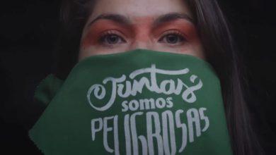 Photo of Camila Moreno libera microdocumental de 'Quememos el reino' .